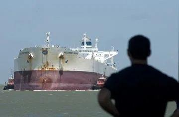 Saudi Oil Rush Threatens to Disrupt Stabilizing U.S. Oil Market.