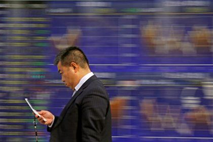 Asia petchem shares, crude slump as US-China trade spat escalates