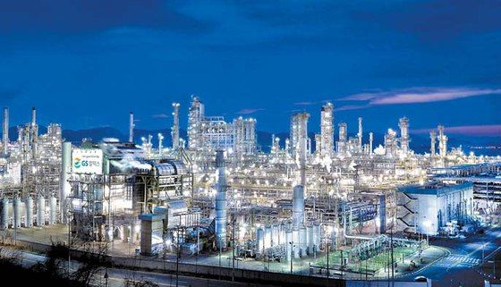 Korean refiners cut export price as storage supplies max out.